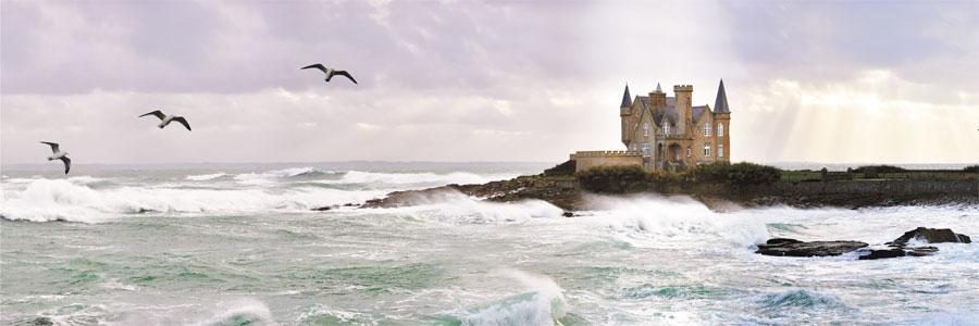 Coup de vent sur le château. Quiberon.