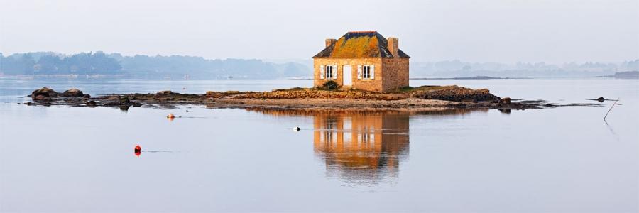 Ile de Saint Cado. La maison sur l'eau.